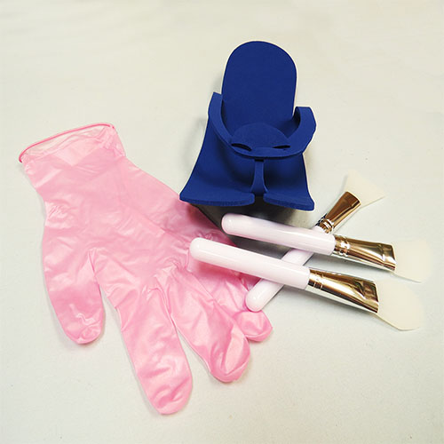 Pedicure pink pearl gloves